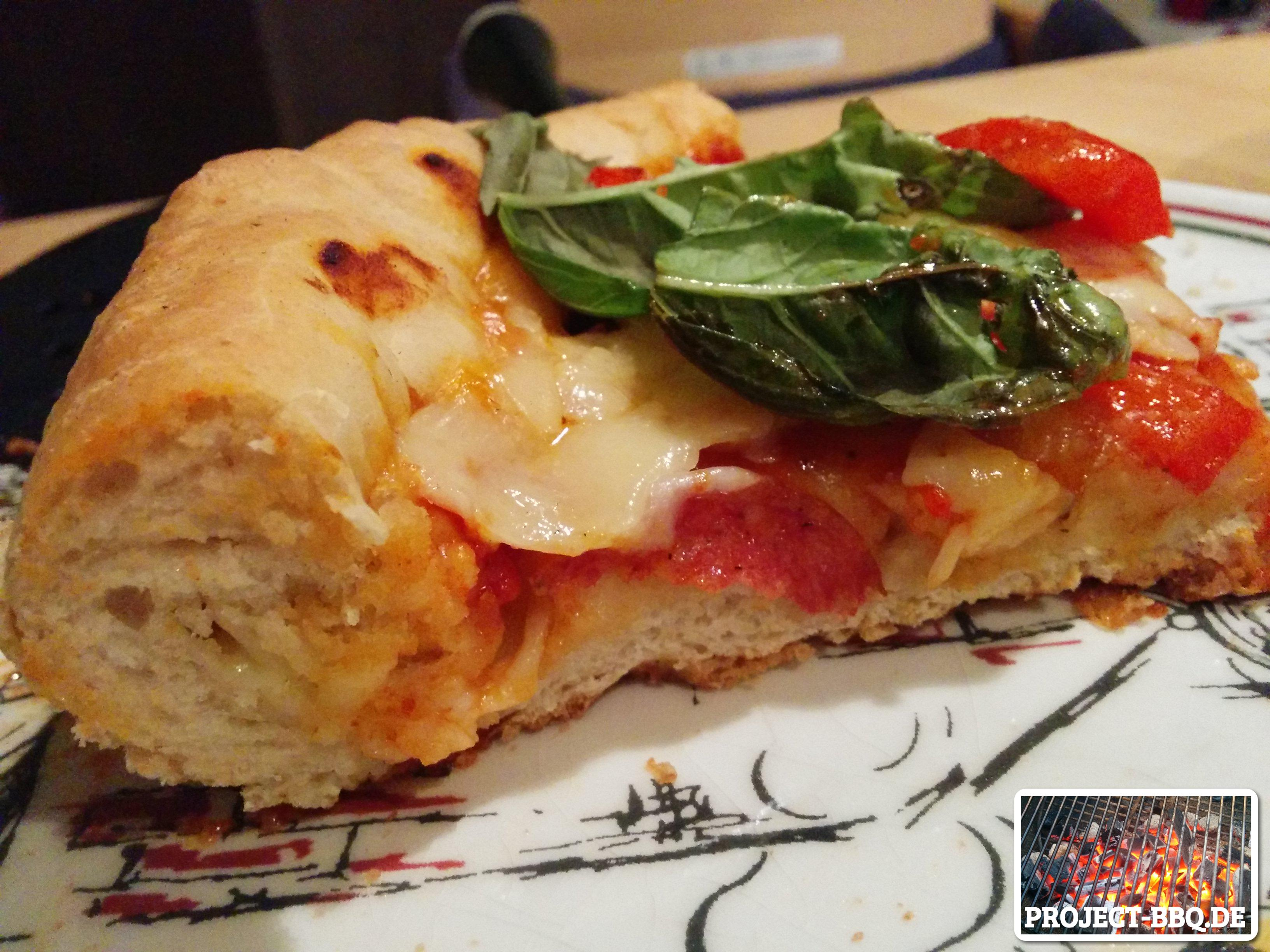 Knusprige Pan-Pizza