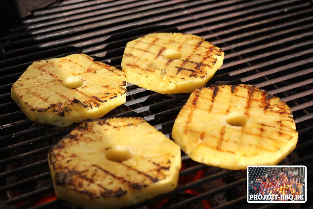 Gegrillte Ananas-Scheiben