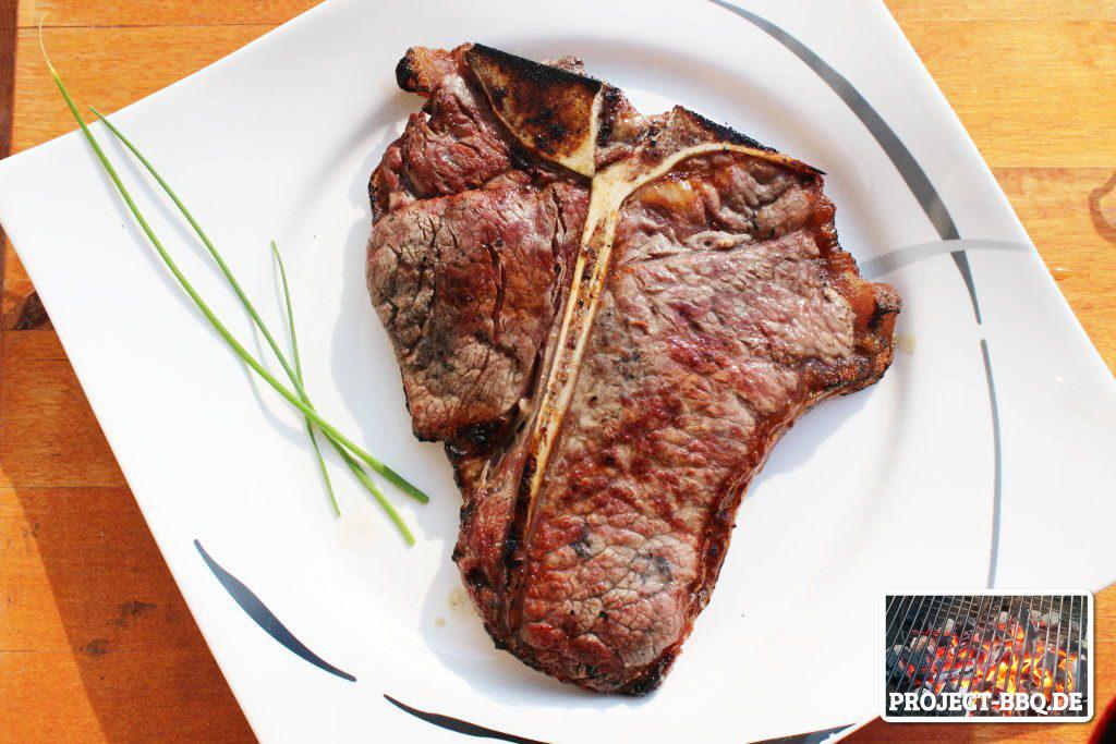 Das fertige Steinzeit-Steak