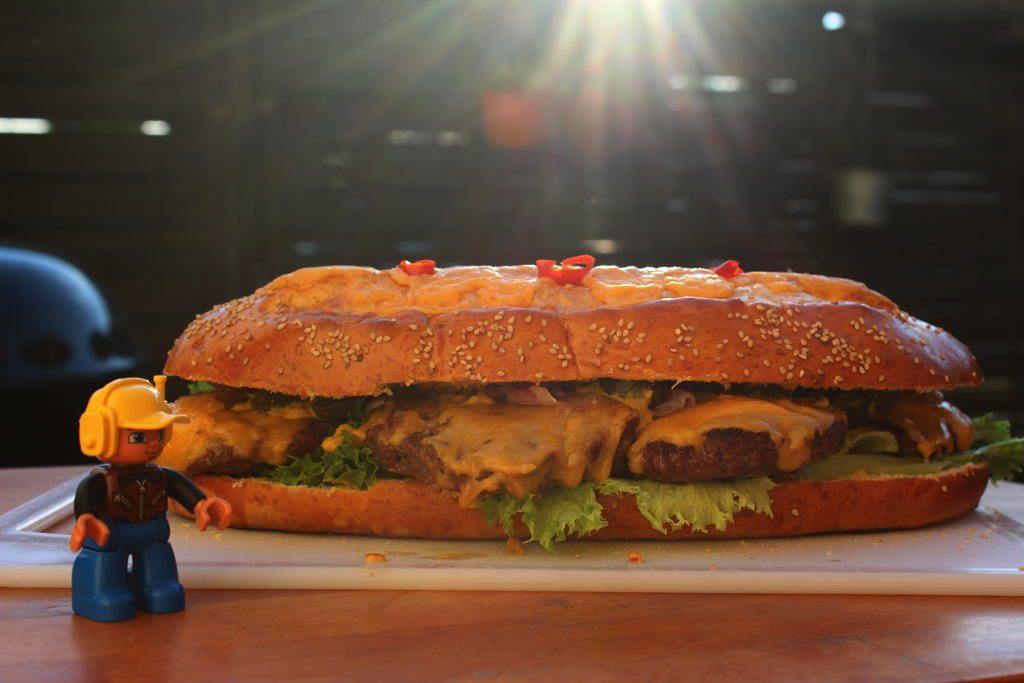 Der Burger im Größenvergleich