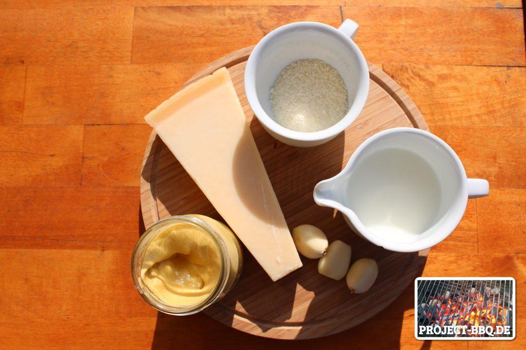 Parmesan-Knoblauch-Saucen-Zutaten