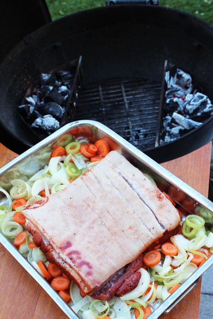 Indirekte Hitze für den Schweinebauch